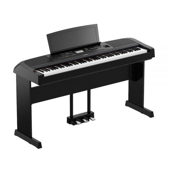 Yamaha DGX670 Portable Grand Piano includes Stand